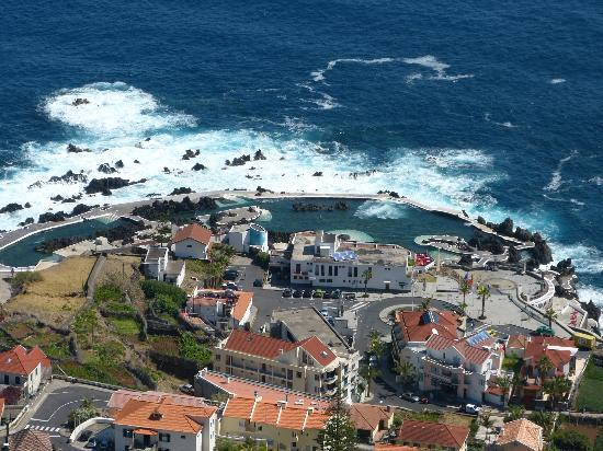Porto Moniz Natural Swimming Pools: View from top of Porto Moniz