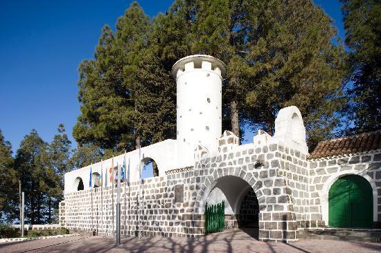 Hotel Parador de Cruz de Tejeda: Vista exterior entrada