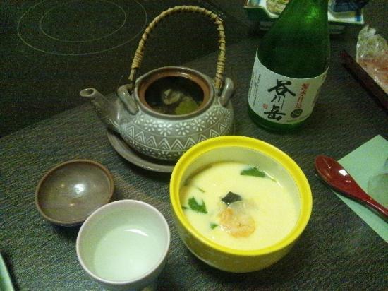 Higaki Hotel: 夕食の土瓶蒸しと茶碗蒸し