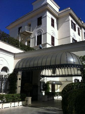 Aldrovandi Villa Borghese: Main entrance