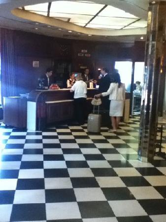 Hotel Ascot: reception