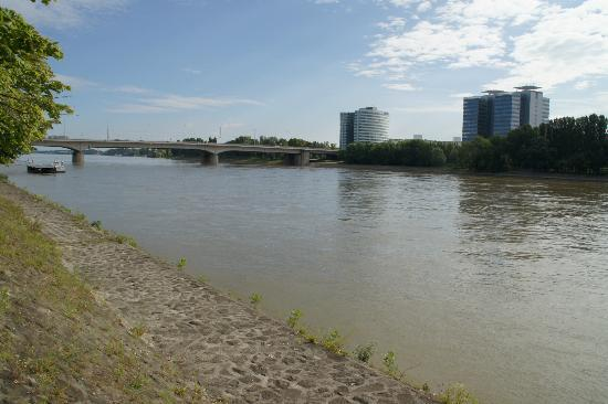 Danube river bank - Picture of Danubius Health Spa Resort