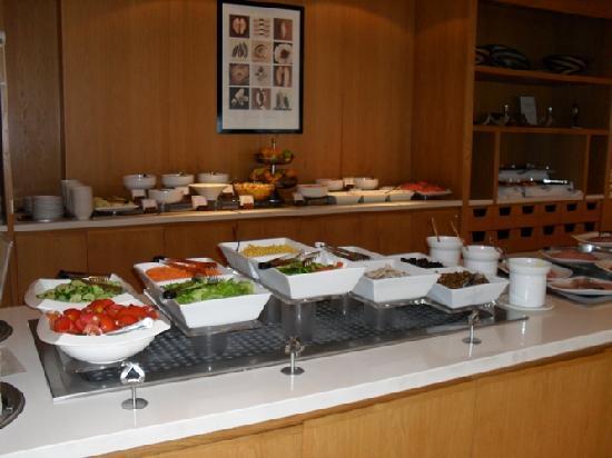 Napa Mermaid Hotel and Suites: Breakfast Buffet
