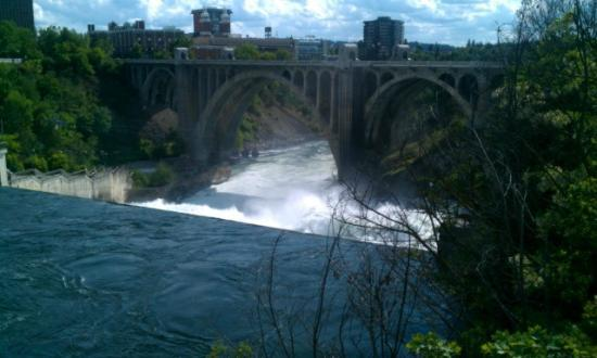 Downtown Spokane : View from the top of the falls