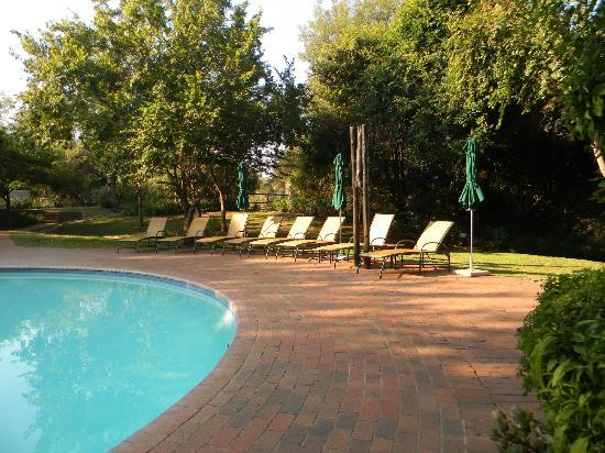Protea Hotel by Marriott Kruger Gate: Swimming pool