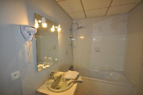 Le Cheval Blanc : salle de bain
