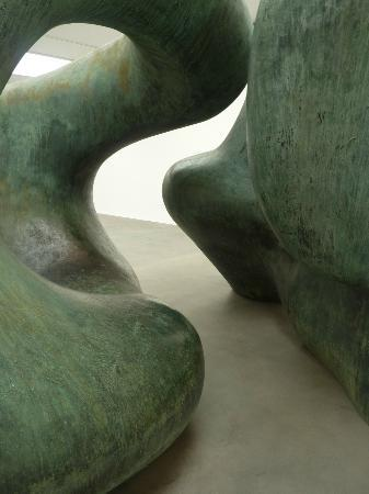 Gagosian Gallery: Henry Moore - Large Two Forms 1966