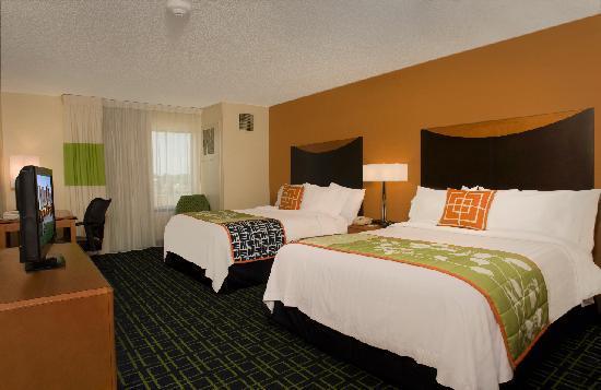 Fairfield Inn & Suites Tupelo : Queen Queen Guest Room
