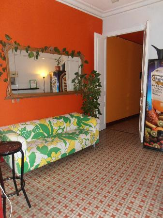 Barcelona Rooms: Communal area