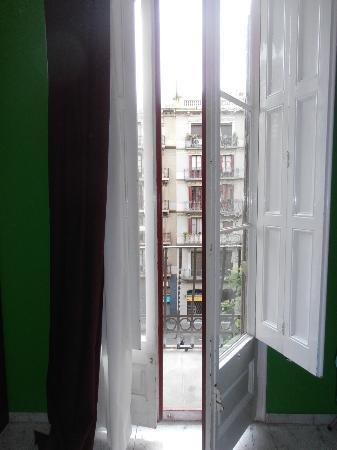 Barcelona Rooms: View from our balcony