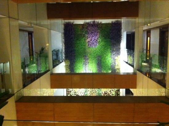 Hotel Levana: 2nd floor lobby