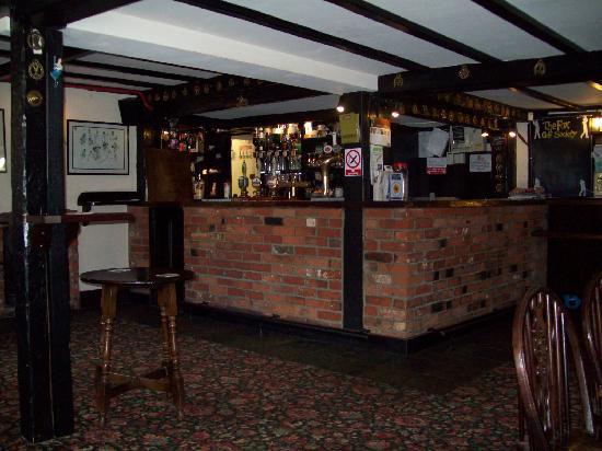The Fox Inn: Bar
