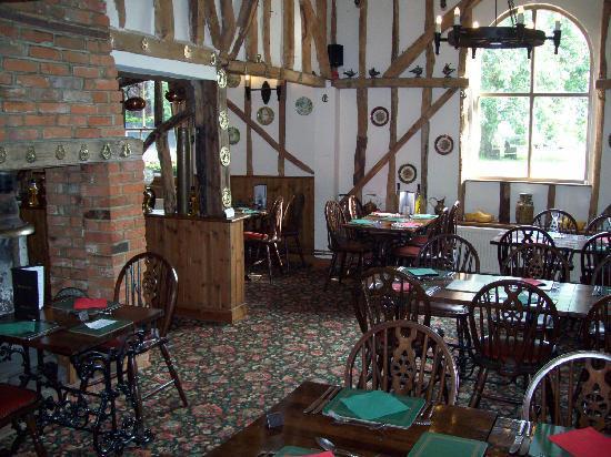 The Fox Inn: Character beamed restaurant