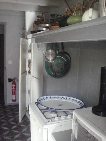 La Pousada: Kitchen for guests