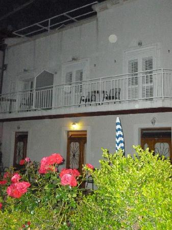 Bacan Serviced Apartments: By night