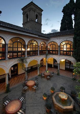 Parador de Granada: Patio