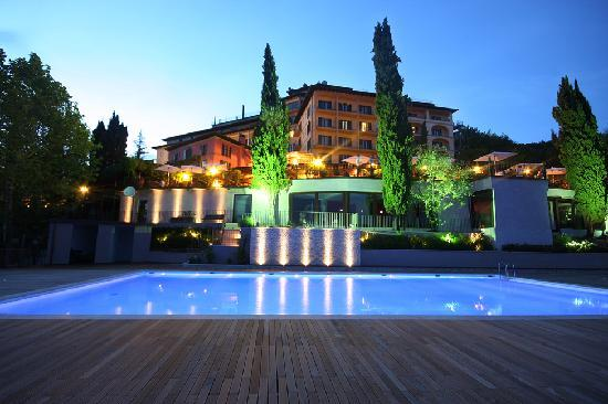 Renaissance Tuscany Il Ciocco Resort & Spa: New swimming pool
