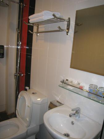 Eight Days Boutique Hotel: Bathroom