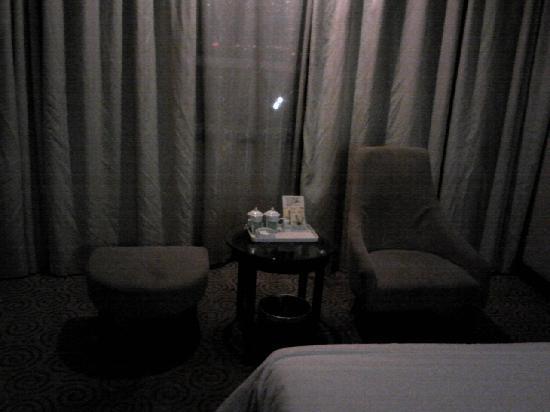 Kashi New Delhi Hotel: 12.04.30【ニューデリーホテル】部屋の雰囲気