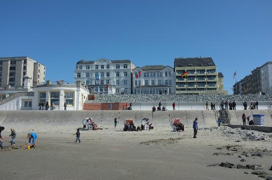 Hotel Ostfriesenhof in der Mitte am Strand von Borkum