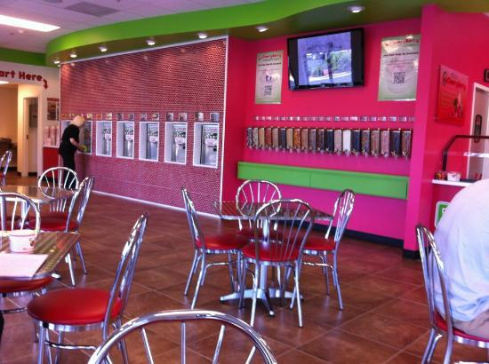 CherryBerry: Very clean and everything is delicious!