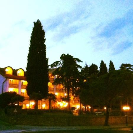 Hotel Marko in the evening