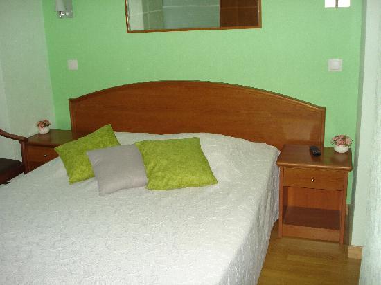 Hotel des Grottes : chambre 5