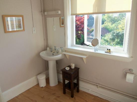 Southwold, UK: Bathroom of room 3