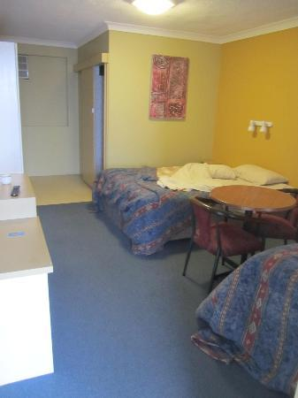 Port Aloha Motel: bedroom