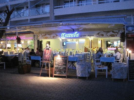 Kassaba Bar and Restaurant: restaurant