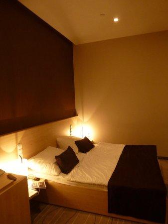 Promenade City Hotel: camera da letto n°208