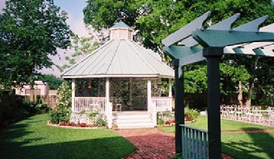 Woodbine Hotel And Restaurant Gazebo Perfect For Story Book Weddings