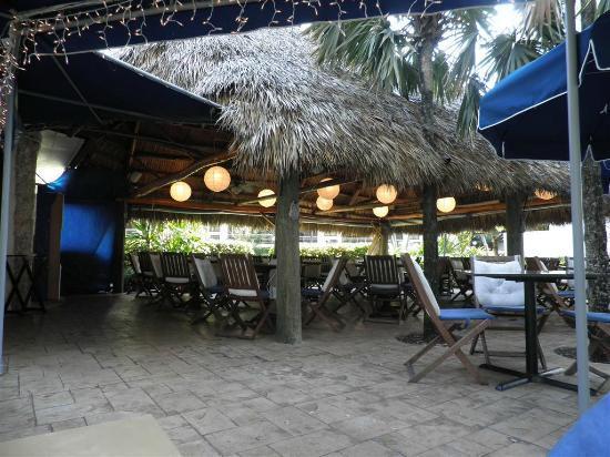 Golden Strand Ocean Villa Resort: Italian Restaurant onsite