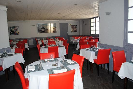Hôtel le Clocher : salle de restaurant