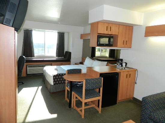 Microtel Inn & Suites by Wyndham Ft. Worth North/At Fossil Creek: Suite room 1