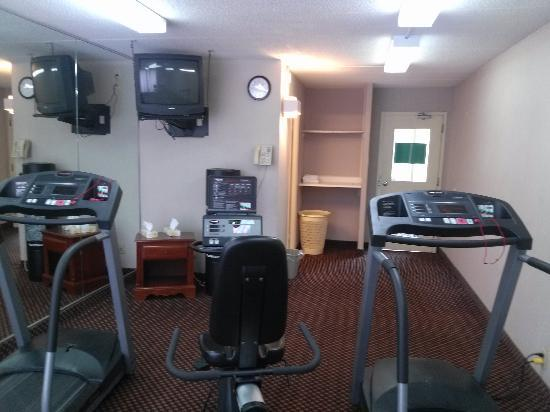 Lexington Hotel - Sudbury : Fitness Room