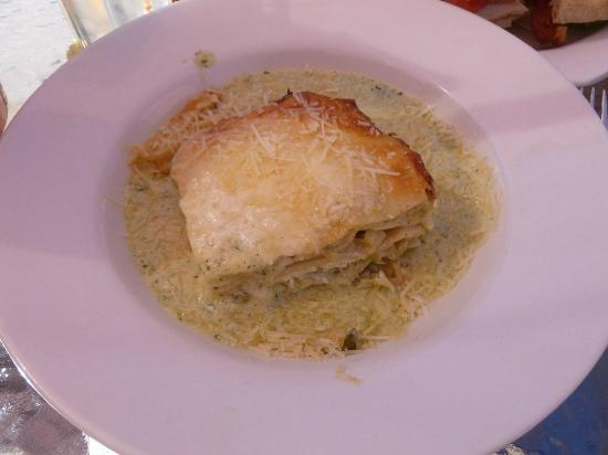 Casey's Cafe: Artichoke lasagne