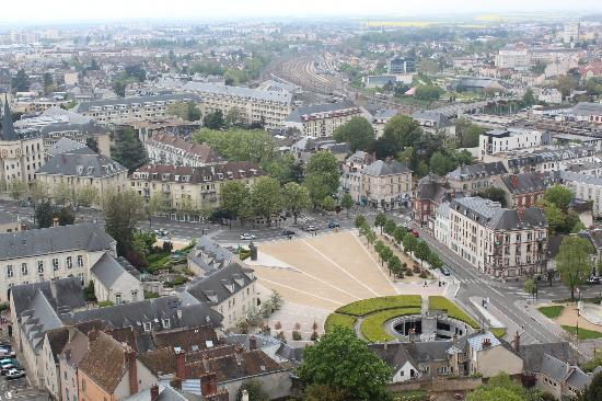 Hôtel du Boeuf Couronné : View of Chartres, including hotel, on the right, from Cathedral tower