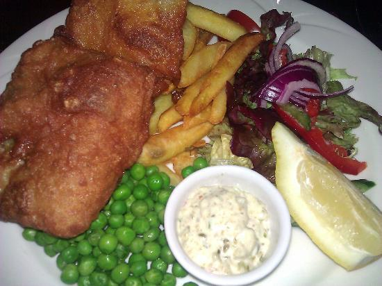 Cairndale Hotel & Leisure Club: Fish and Chips - nom nom!