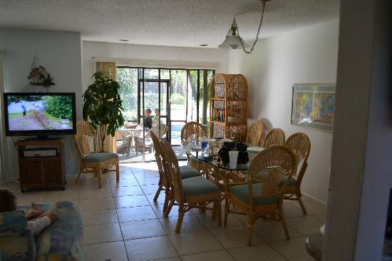 Blind Pass Condominiums: dining area/porch