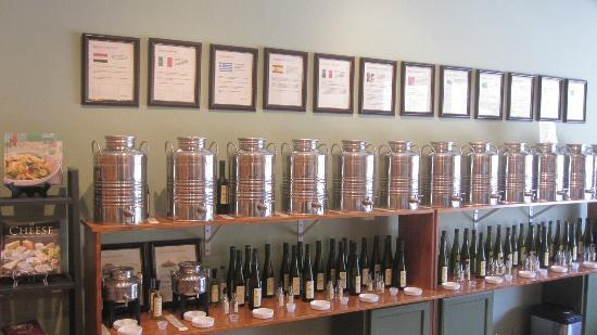 Drizzles: Tasting walls of flavored olive oils and balsamics, yum!