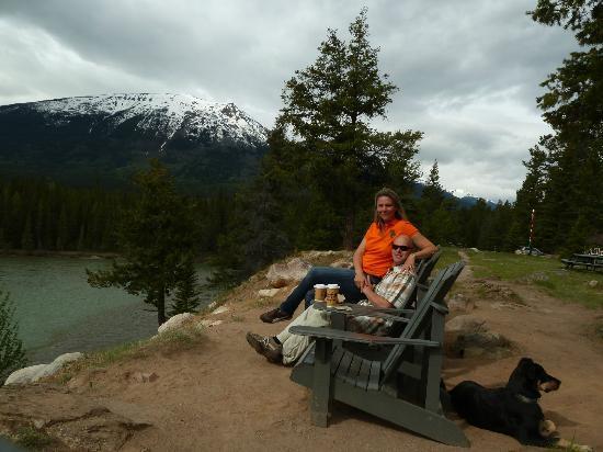 Tekarra Lodge: Enjoying morning coffee with the Awww views