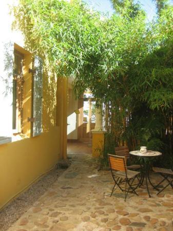 Little Lemon Tree: Blick zum Eingangsbereich