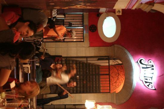 Antik Cafe: Viernes Live!