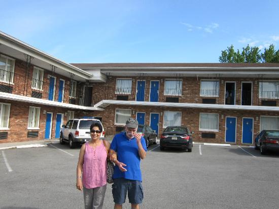 Rodeway Inn Niagara Falls: Rodeway inn, main street