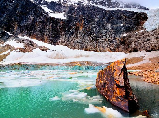 Canadian Rockies, Canada: Mt. Edith Cavel- glacier