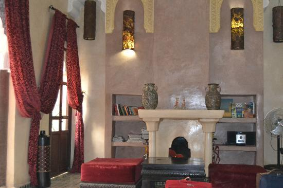 Riad la Croix Berbere: Zona de descanso