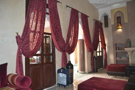Riad la Croix Berbere: La sala donde desayunabamos