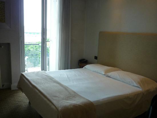 Hotel Trieste: room