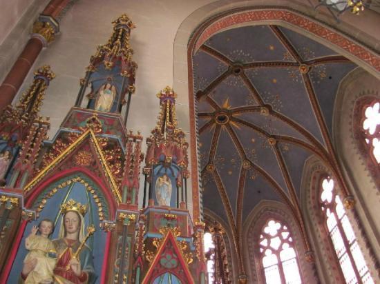 Klosterkirche der Barmherzigen Brueder  von Maria-Hilf: detail
